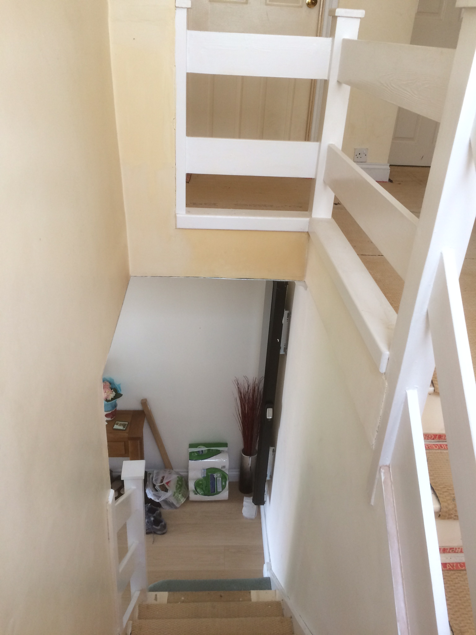 Bay Joinery - Swansea Joinery Service - Stair Refurbishements - White Wooden Stairs 5